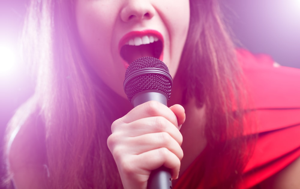 歌うと体脂肪率は減るが体重は増える